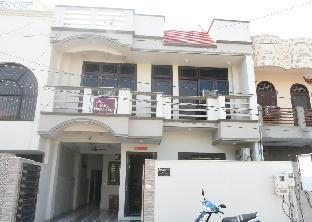 RK Homestay Agra Агра