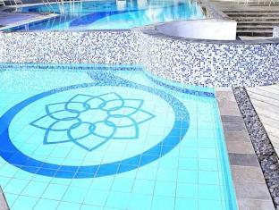 Golden Flower Hotel Bandung - Swimming Pool