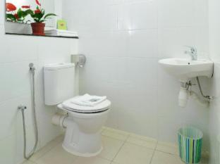 Phoenix Hotel Kuala Lumpur - Bathroom
