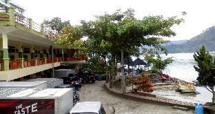 Pandu Lakeside Parapat Hotel