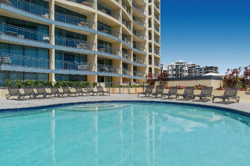 Best guest rating in Sunshine Coast ➦ Novotel Twin Waters Resort takes PayPal