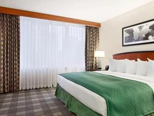 Embassy Suites Chicago Downtown Magnificent Mile PayPal Hotel Chicago (IL)