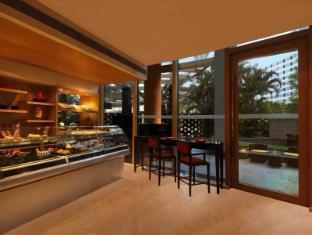 โรงแรมไทรเด้นท์ บันดรา คูร์ลา มุมไบ - อาหารและเครื่องดื่ม