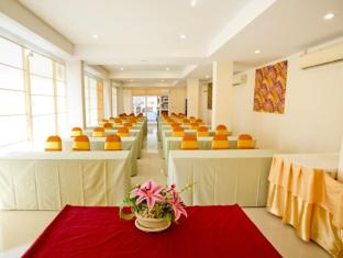 Sinsuvarn Airport Suite Bangkok - Meeting Room