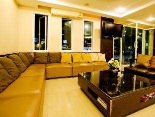 Sinsuvarn Airport Suite Bangkok - Sitting Area