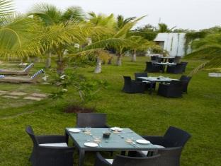 Citrus Sriperumbudur Hotel Chennai - Garden Sitting