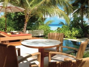 Constance Halaveli Maldives Islands - Beach Villa  Terrace