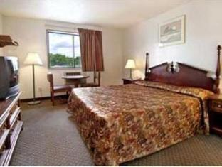 Country Hearth Inn Rocky Mount (NC) - Guest Room