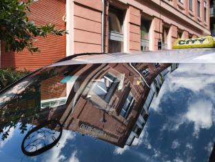 Opera Garden Hotel and Apartments Budapest - Taxi service
