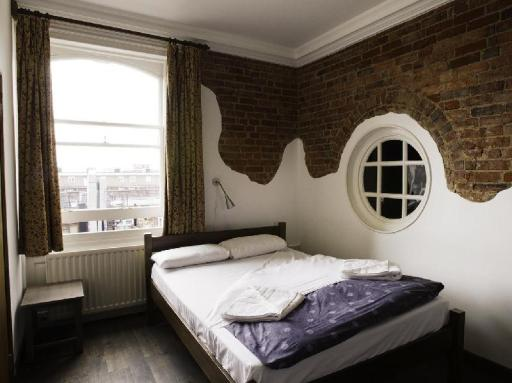 Palmers Lodge: Swiss Cottage hotel accepts paypal in London