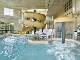 Wingate By Wyndham Edmonton West Hotel Edmonton (AB) - Swimming Pool