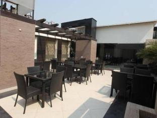Chanchal Deluxe Hotel New Delhi and NCR - Restaurant