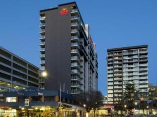 Crowne Plaza Adelaide Hotel Adelaide - Hotel Exterior