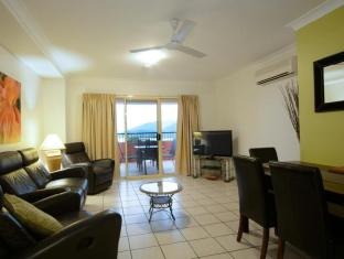 Martinique Whitsunday Resort Whitsundays - 2 Bedroom Deluxe Apartment - Living Room