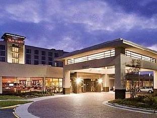 Holiday Inn Chesapeake Hotel
