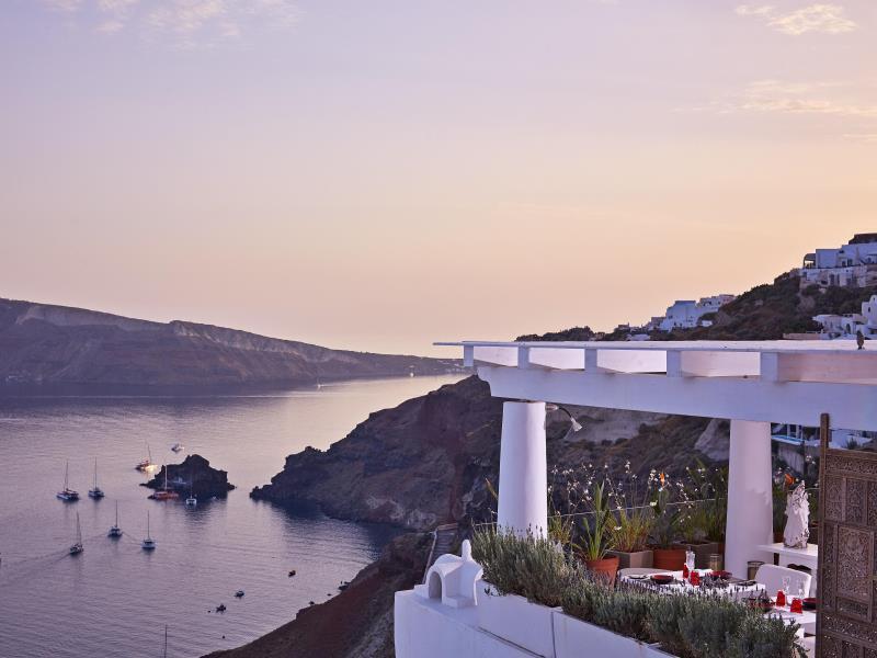 Katikies Hotel – Santorini 3
