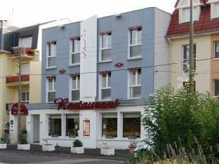 Les Pelouses Hotel