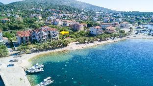 New Beach 4 Star Luxury Apartment 2 Bedrooms 2 Bathrooms, Free Boat Berth