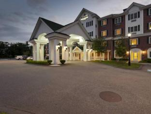 Country Inns & Suites Hotel in ➦ Bedford (NH) ➦ accepts PayPal