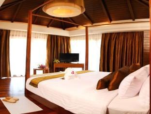 Piraya Resort & Spa Phuket - Hotellihuone