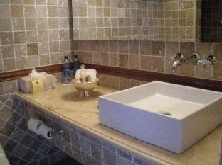 Palacio De Dona Leonor Hotel Antigua Guatemala - Bathroom