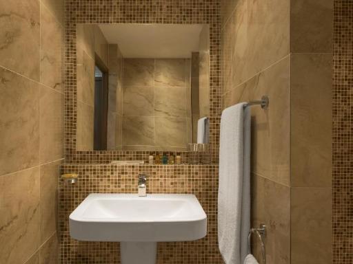 ➦  Starwood Hotels & Resorts Worldwide    (Djibouti) customer rating