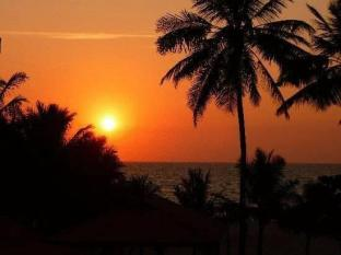 Paradise Beach Hotel Negombo - Sunset View