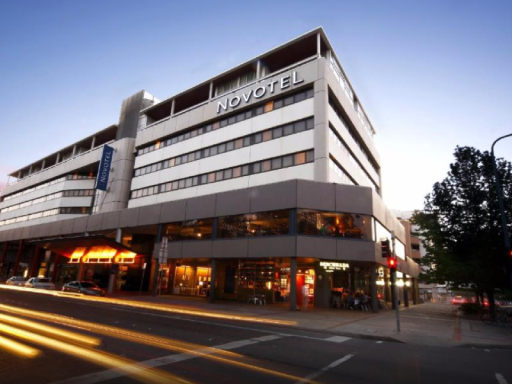 Best guest rating in Canberra ➦ QT Canberra takes PayPal