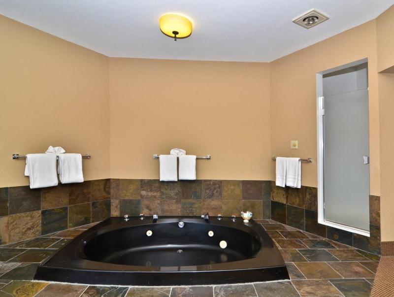 Quality Inn Sunridge Inn & Conference Center - Baker City, OR 97814