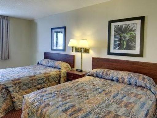 ➦  Choice Hotels    (North Dakota) customer rating