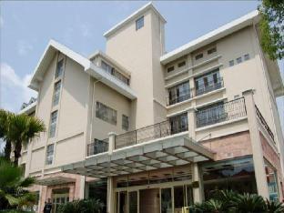 Yichang Guobin Garden Hotel