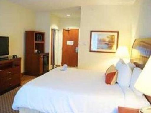 ➦  Hilton Worldwide    (Indiana) customer rating