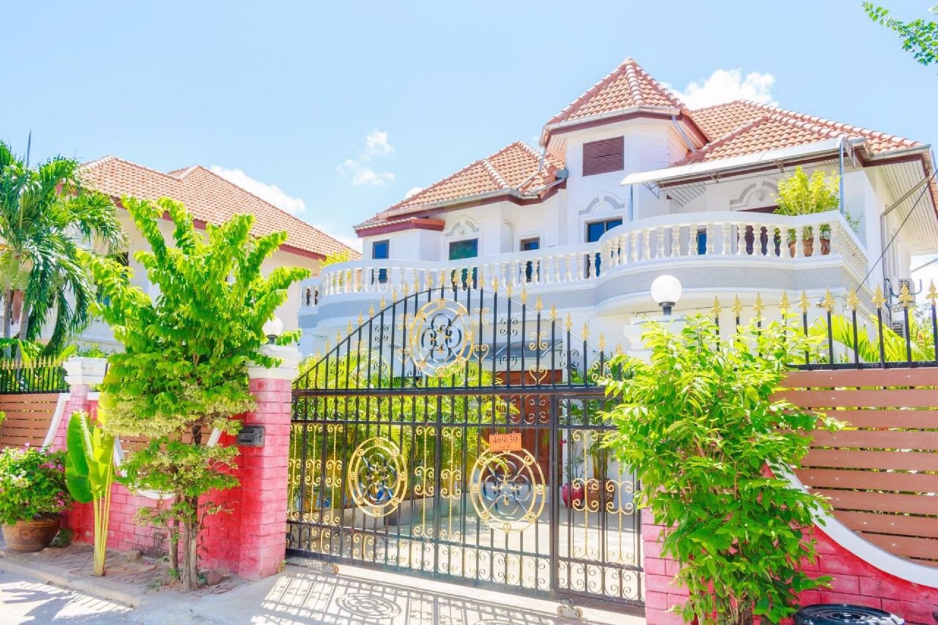 Pool villa 6 bedrooms near walking street & beach,Pool villa 6 bedrooms near walking street & beach