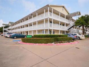 Sun Suites of Sugarland Stafford Hotel