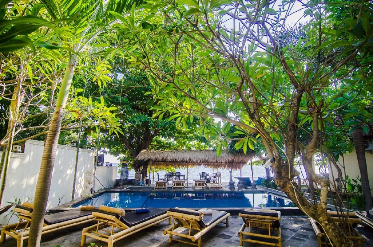 Rising Star Beach Resort Amed