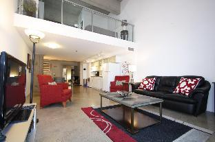 Gorgeous loft Down Town condo Heated Parking