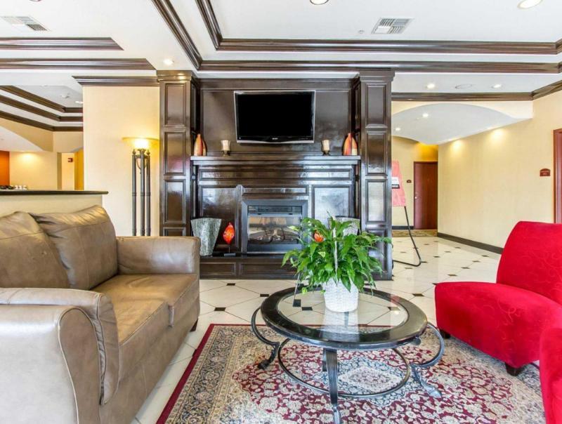 Comfort Inn & Suites - Atoka, OK 74525