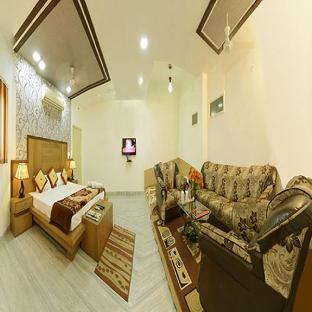 Hotel Prema Palace Агра