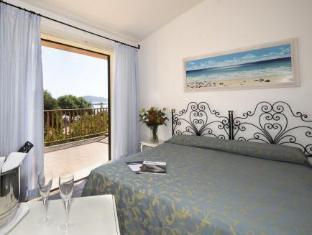 Blu Hotel Laconia Village