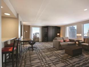 room of Hilton Garden Inn Chicago Downtown Magnificent Mile