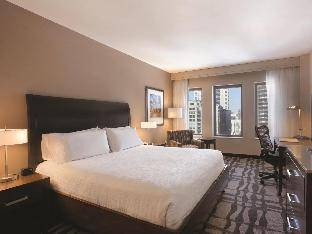 Interior Hilton Garden Inn Chicago Downtown Magnificent Mile