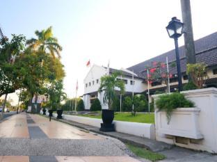 Hotel Merdeka Kediri Kediri - Tempat Masuk