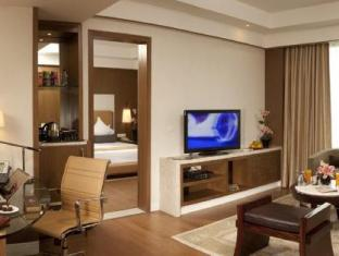 Crowne Plaza Hotel New Delhi Okhla New Delhi and NCR - Suite Room
