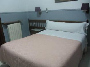 Hostal Dulcinea Madrid - Guest Room