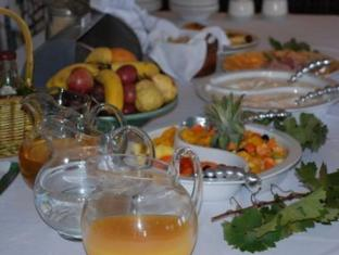 Bellevue Manor Holistic Wellness Retreat Stellenbosch - Breakfast Buffet
