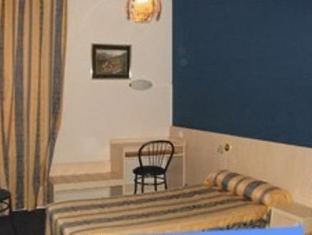 Notre Dame De France Hotel Lourdes - Gästezimmer