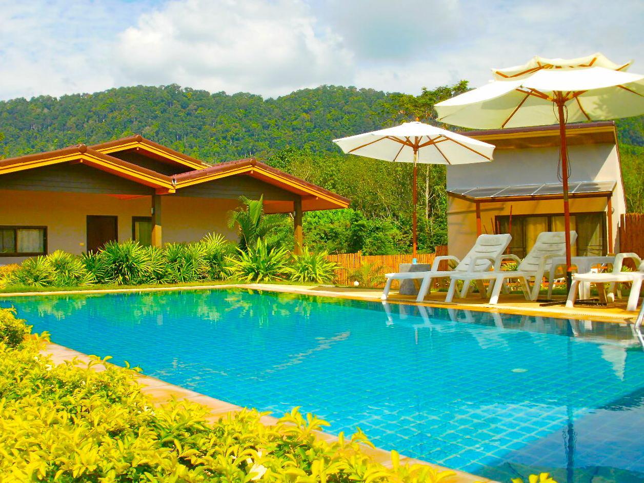 Escape cabins pra ae beach koh lanta thailand great for Escape cabins koh lanta