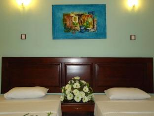 The Sovereign Corporate Hotel Colombo - Standard Room