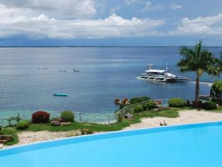 Vista Mar Beach Resort & Country Club Cebu - Bazen