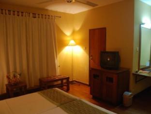 Hotel Casamara Kandy - Deluxe Room